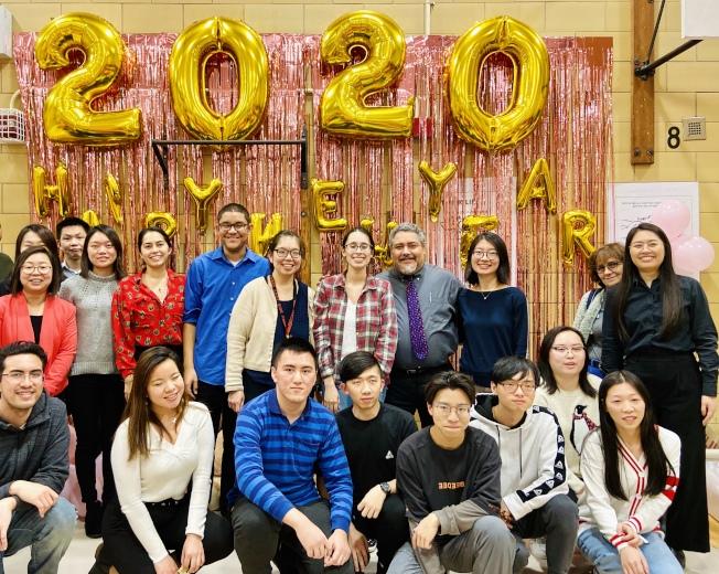 不受疫情影響,下東城高中師生共賀鼠年新春。(記者鄭怡嫣/攝影)