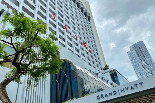 英國氣體分析儀器公司仕富梅1月在新加坡君悅酒店舉行會議,100多名與會者中3人返國後感染新冠肺炎。(路透)