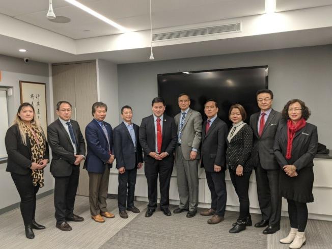 十多個團體組成的「亞裔健康諮詢委員會」每月將舉行會議,提供民眾最新正確的疫情資訊。(記者賴蕙榆/攝影)