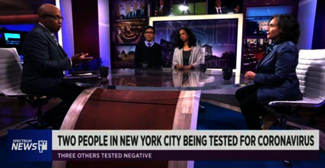 陳作舟(左二起)、Samantha Rao和巴博特呼籲民眾冷靜看待病毒,照常享受每一天生活。(視頻截圖)