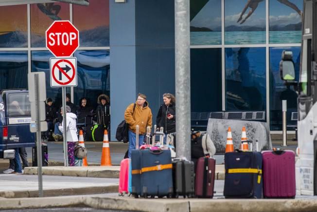 「海洋聖歌號」郵輪有四名中國乘客出現疑以新冠肺炎症狀,被送往附近醫院隔離治療。船上其餘乘客獲准在新州港口下船。(Getty Images)