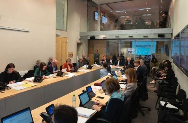 世界衛生組織(WHO)日前召開新冠肺炎緊急會議畫面。(取材自WHO推特)