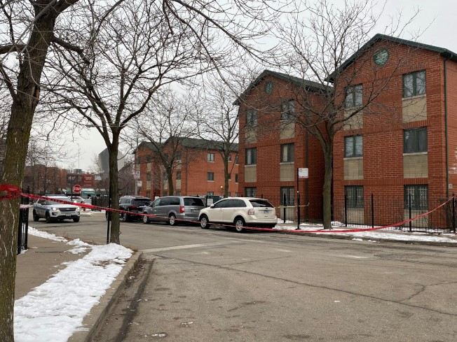 芝加哥華埠20街夾南威爾斯街一處公寓發生兩華裔受害者遭歹徒槍殺搶劫案。(特派員黃惠玲/攝影)