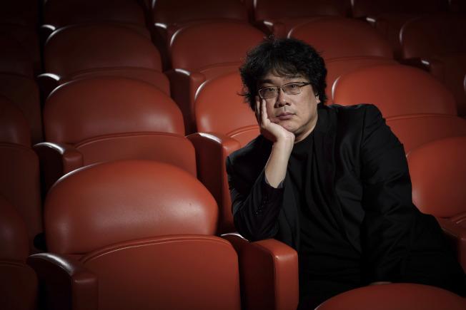 南韓導演奉俊昊(Bong Joon Ho)執導的「寄生上流」(Parasite)攬獲四項奧斯卡大獎。(美聯社)