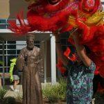 王維力大型銅雕「利瑪竇」落成