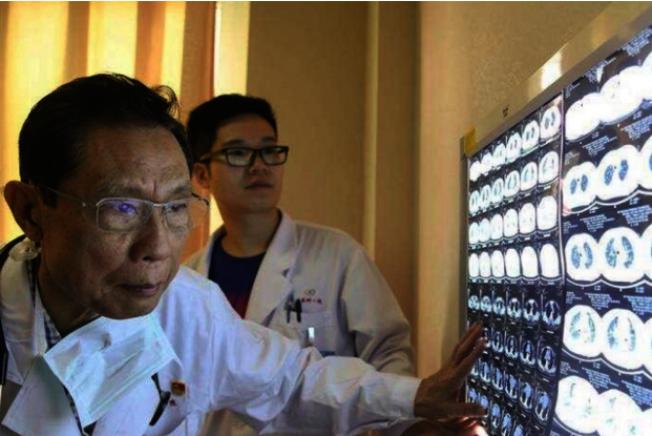 鐘南山認為,李文亮背後還有幾百名希望說出真相的醫生,強調中國官方有需要聆聽他們的聲音。(Getty Images)