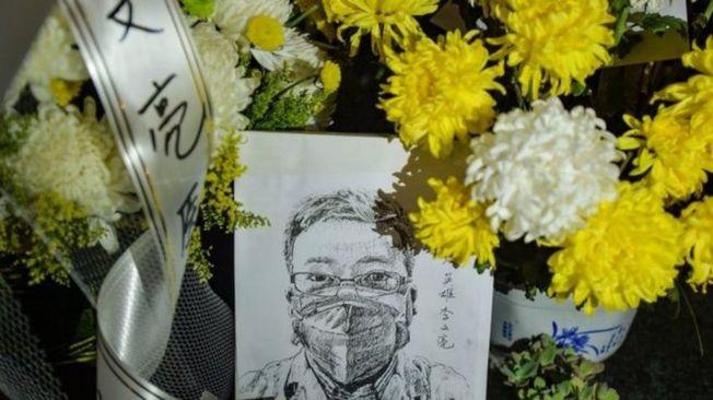 李文亮醫師逝世後,數十位學者、律師實名聯署要求北京當局釋放言論自由。(Getty Images)