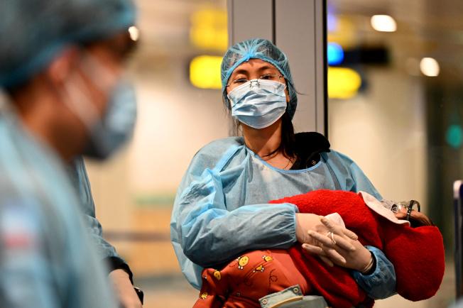 湖北省新增新冠肺炎病例數12日暴增,因當局決定把臨床診斷病例數納入確診病例數。 (路透)