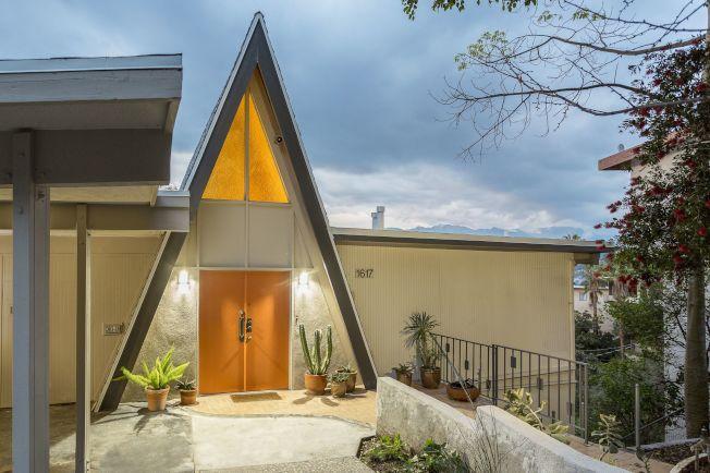 洛杉磯市新潮區的住宅房屋越來越極具現代設計感。圖中的尖頂屋於2017年以100萬元成交。(Deasy/Penner & Partners)