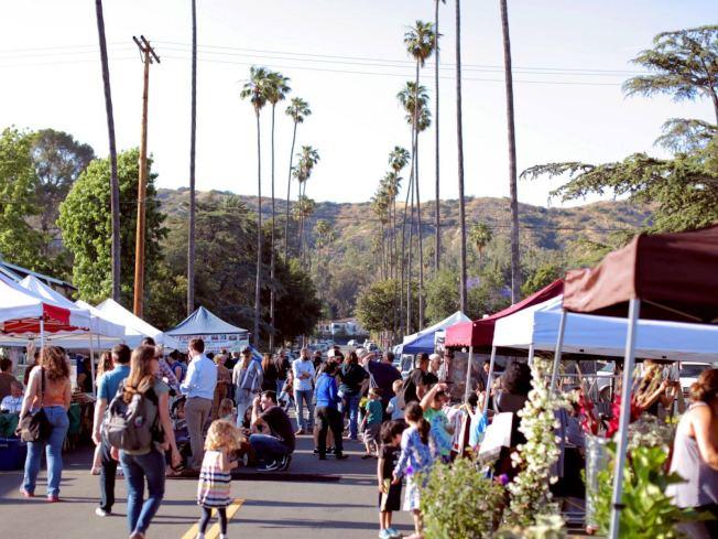 圖為洛杉磯市東北部的鷹岩(Eagle Rock)的農夫市場。(取自Eagle Rock Farmers Market臉書)