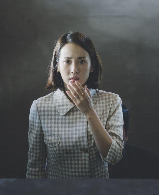 趙茹珍在《寄生上流》中演富家太太。(取材自IMDb)