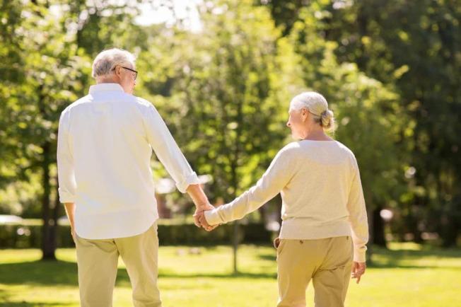 对于何时要解甲归田,多数劳工心里都有数,但传统上的退休年龄也就是65岁,可能正在成为过去式。示意图/ingimage