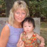領養女華童染流感病故 白人養母傷感懷念