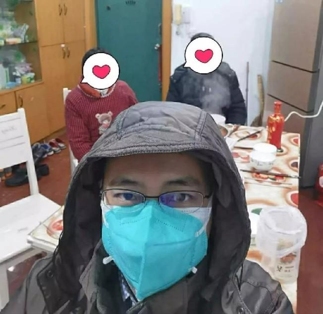 也是新冠肺炎患者的武漢同濟醫院心內科醫生周寧表示,居家隔離期間多休息、加強補充營養和多喝水非常重要。(取自央視新聞)