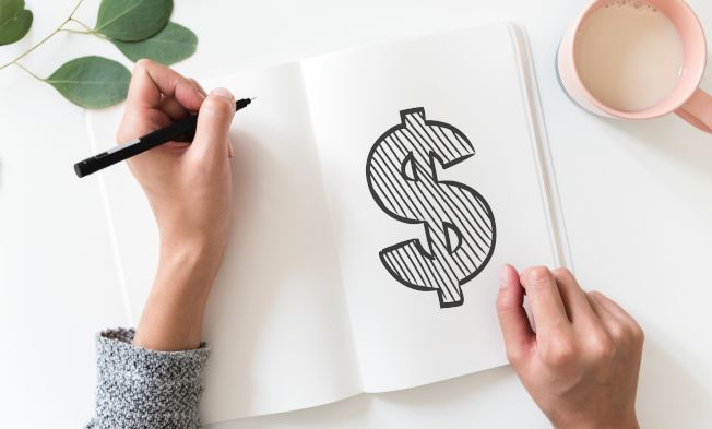 退休增強法案鼓勵受薪階級存錢。(Unsplash)