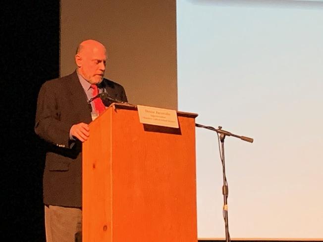 Child and Adolescent Health Section主管Robert Gilchick醫師。(記者張宏/攝影)