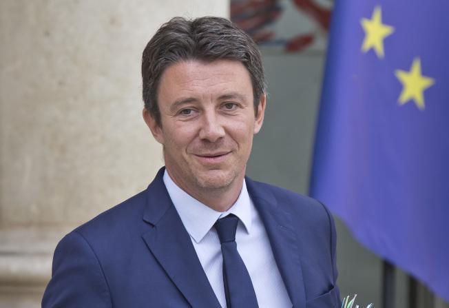 法國政府前發言人葛里沃性愛影片外洩,14日宣布退出巴黎市長選戰。(美聯社)