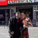 時報廣場情人節充滿愛 3場求婚2場婚禮