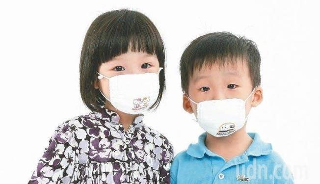 乾蒸口罩還是會破壞材質,民眾仍須謹慎考慮使用。(本報資料照片)