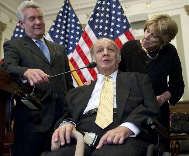 布雷迪腦部中彈雖經急救保住性命,卻終生癱瘓 。(Getty Images)