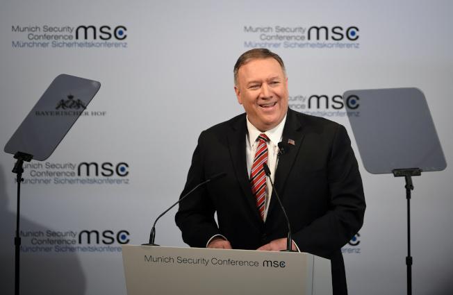 美國國務卿龐培歐15日在慕尼黑安全會議上發表談話。路透
