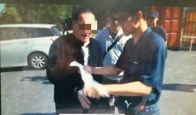 落網的主嫌林孝道(左)是台灣知名大毒梟,幹員評估他吃下台灣三成毒品市場。(記者李奕昕/翻攝)