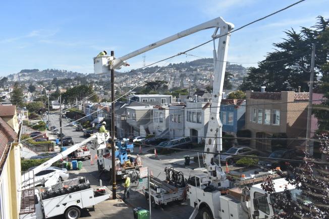 PG&E的輸電線老舊一直遭詬病,被指是2017年和2018年北加州野火的主因。(記者黃少華/攝影)