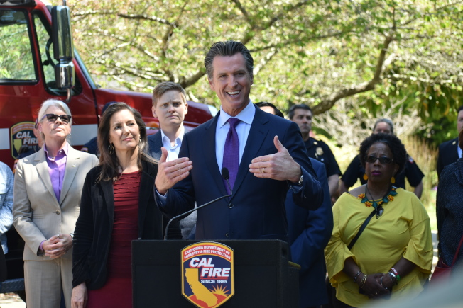 州長紐森認為PG&E需引入新領導層來減少重複犯錯,從而做好加州防火工作。(記者黃少華/攝影)