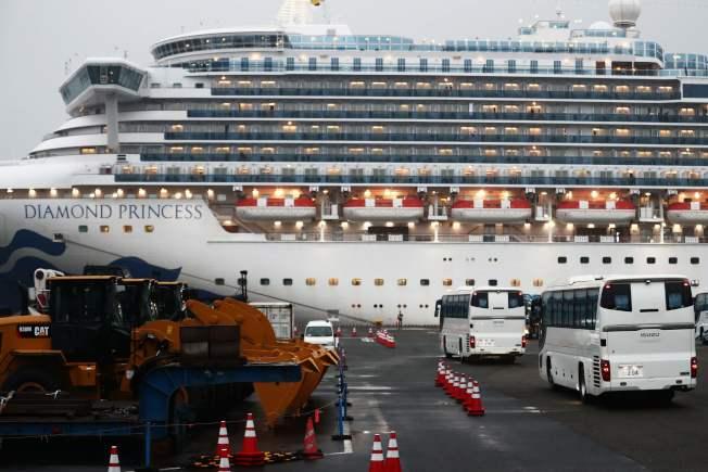 鑽石公主號遊輪,船上爆發新冠病毒肺炎群聚感染,至今已有355人確診。 Getty Images