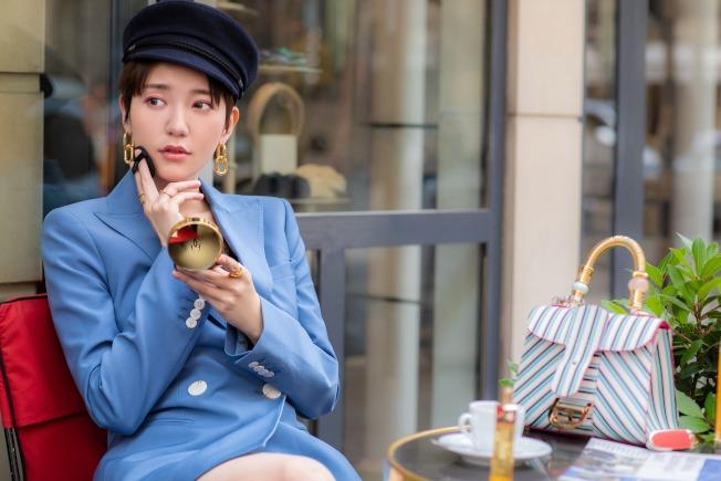 郭雪芙的專屬化妝師Jade Lee,透露持妝一整天小技巧。圖/嬌蘭提供