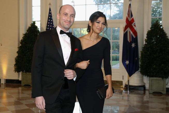 白宮資深顧問米勒(Stephen Miller)和副總統潘斯的發言人凱蒂‧沃德曼(Katie Waldman)共結連理。(美聯社)