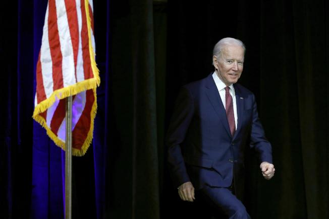 參選人、前副總統白登16日在馬上要初選投票的內華達州賭城拉斯維加斯拜票,各方擔心白登在內州的選情不被看好。(美聯社)