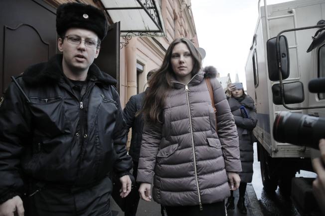 俄羅斯聖彼得堡法院今天下令,從博特金醫院逃回家的女子伊莉娜(圖中),得強制回院接受新冠肺炎隔離。美聯社