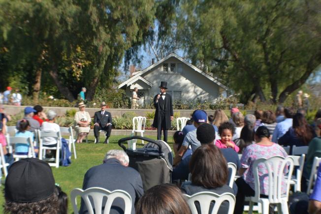 表演者扮演總統林肯,發表演講。(記者啟鉻/攝影)
