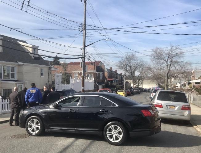 警員自殺的民宅所在街區,17日被警方暫時封鎖。(取自市議員霍頓推特)