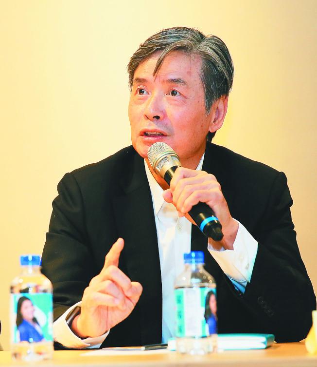 國民黨前秘書長金溥聰17日呼籲黨中央不要處理傅崐萁回復黨籍案。(記者潘俊宏/攝影 )