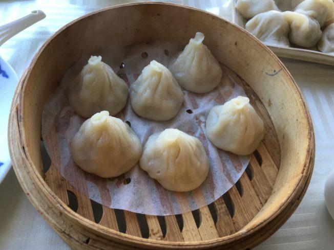 拉麵王傳統道地的特色灌湯小籠包。