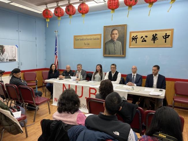 堅尼路以南鄰里聯盟與五名原告控告市府在華埠建監獄違反「紐約州環境質量審查法」(SEQRA)和「統一土地使用審查程序」 (ULURP)(記者金春香 / 攝影)