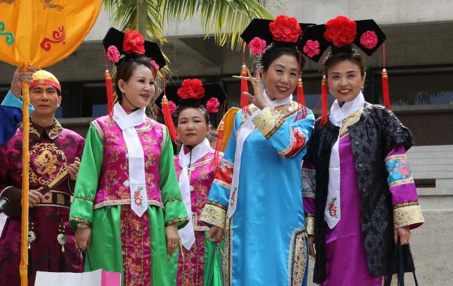 專家建議,華人應該避免參加集會。圖為佛羅里達華人迎春會。(TNS)