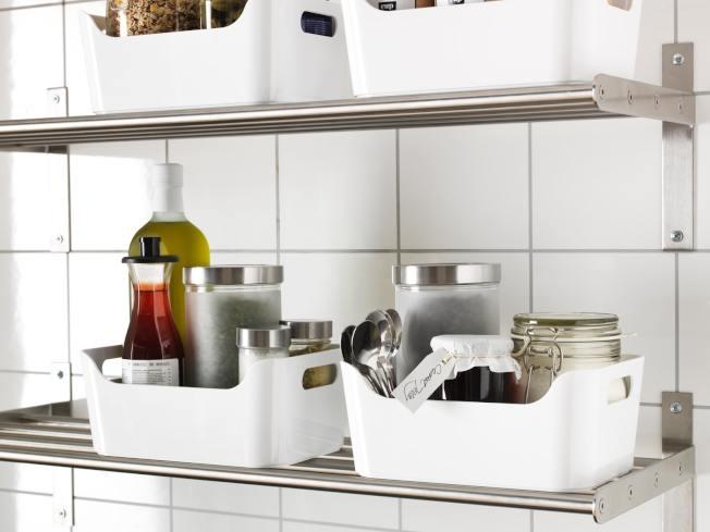 IKEA VARIERA收納盒可用來放置調味料、瓶罐,讓廚房空間更整齊。圖/IKEA提供
