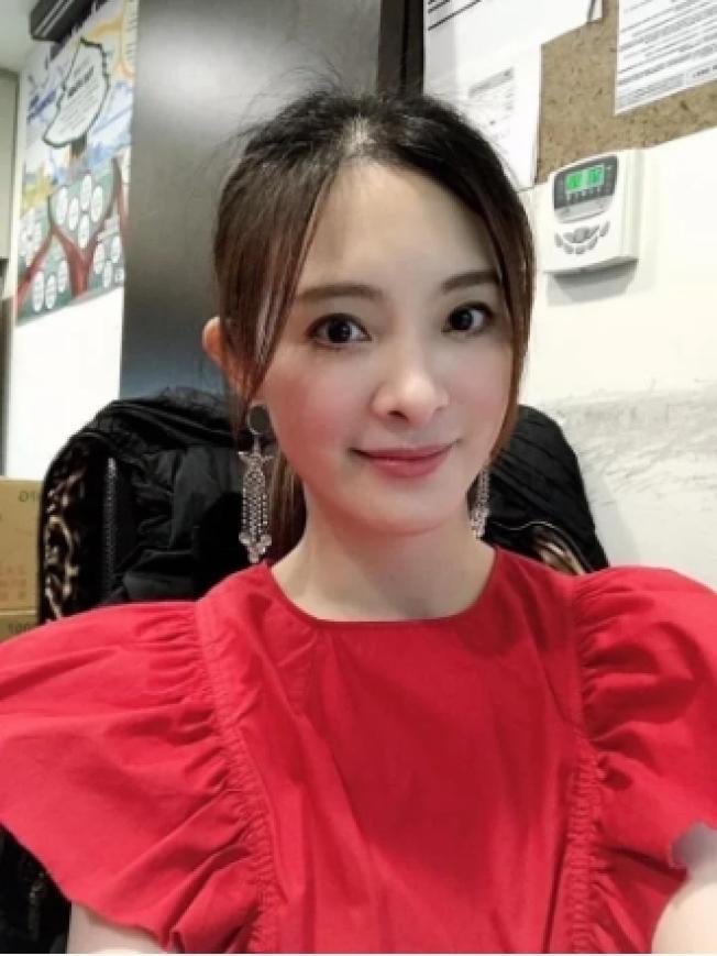 國標女王劉真驚傳心臟瓣膜手術不順利,目前住在台北榮總加護病房,需要進一步更積極治療。 圖/劉真臉書