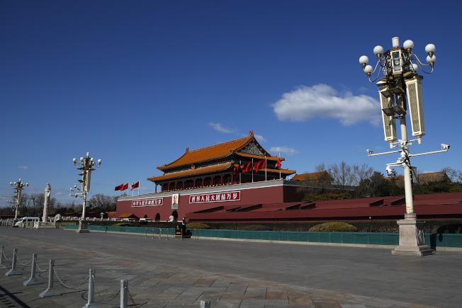 中國19日宣布驅逐華爾街日報的三位駐中記者:北京分社副社長、美國公民李肇華(Josh Chin)、美國公民鄧超(Chao Deng)、澳洲公民溫友正(Philip Wen)。(美聯社)