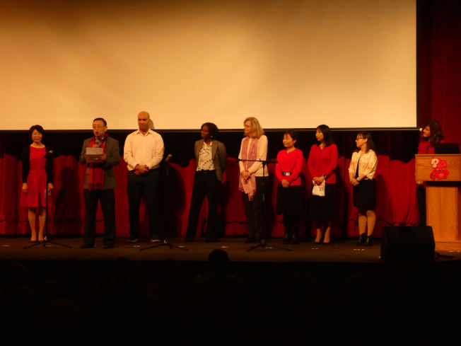 牛頓校區委員會、北高中、牛頓華協、牛頓中文學校、大波士頓華協GBCCA等華人社團代表登台。(朱偉憶/摄影)