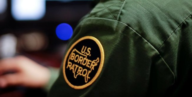 一名來自瓜地馬拉的孕婦,涉嫌於日前非法越過美墨邊境遭捕,而半小時後,該婦女在朱拉維斯塔邊境巡邏站內分娩。(洛杉磯時報)