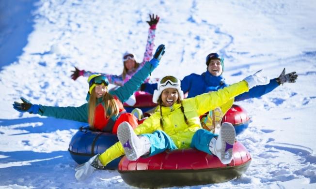滑雪胎技能要求低、安全系數高,是孩子和大人都喜歡的雪地運動。(取自Holiday Mountain Ski and Fun Park官網)