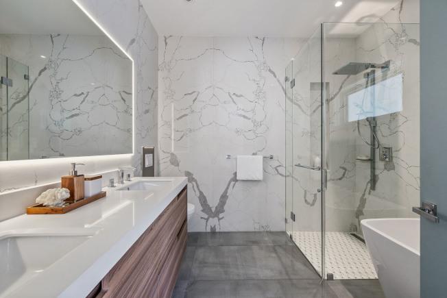 劍鋒建材公司為用戶的需要而建造出全新家居佈局佈置,創造出很多款引領潮流的設計。