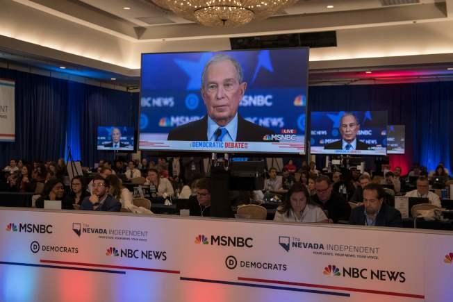 前紐約市長彭博首度參加民主黨初選辯論,吸引全美電視觀眾。(Getty Images)