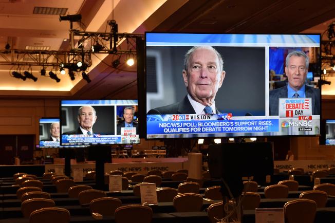 前紐約市長彭博首度參加民主黨初選辯論,吸引全美電視觀眾。(路透)