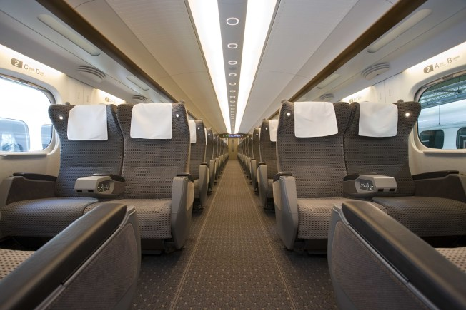 德州子彈列車座位寬敞,沒有中間位置。(Texas Central Railway官網)