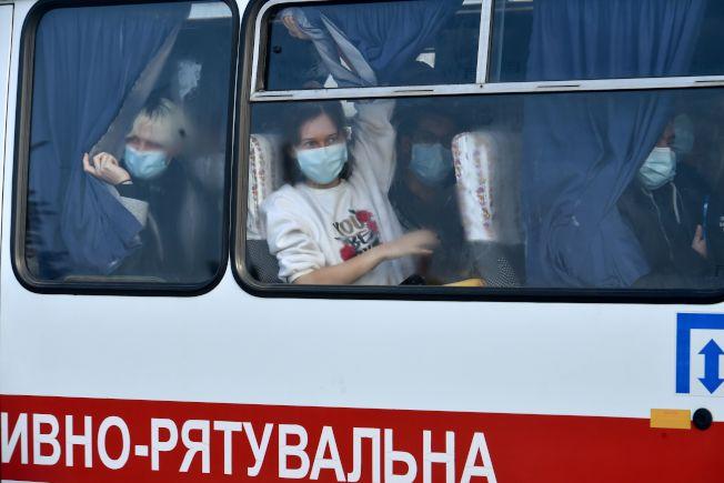「撤離的僑民們,難道不是烏克蘭的手足同胞嗎?每個人都有可能會生病,為什麼我們不能用愛來包容他們呢?」(Getty Images)